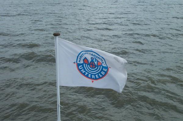 Hissflagge Maritime Landschaft Unterelbe